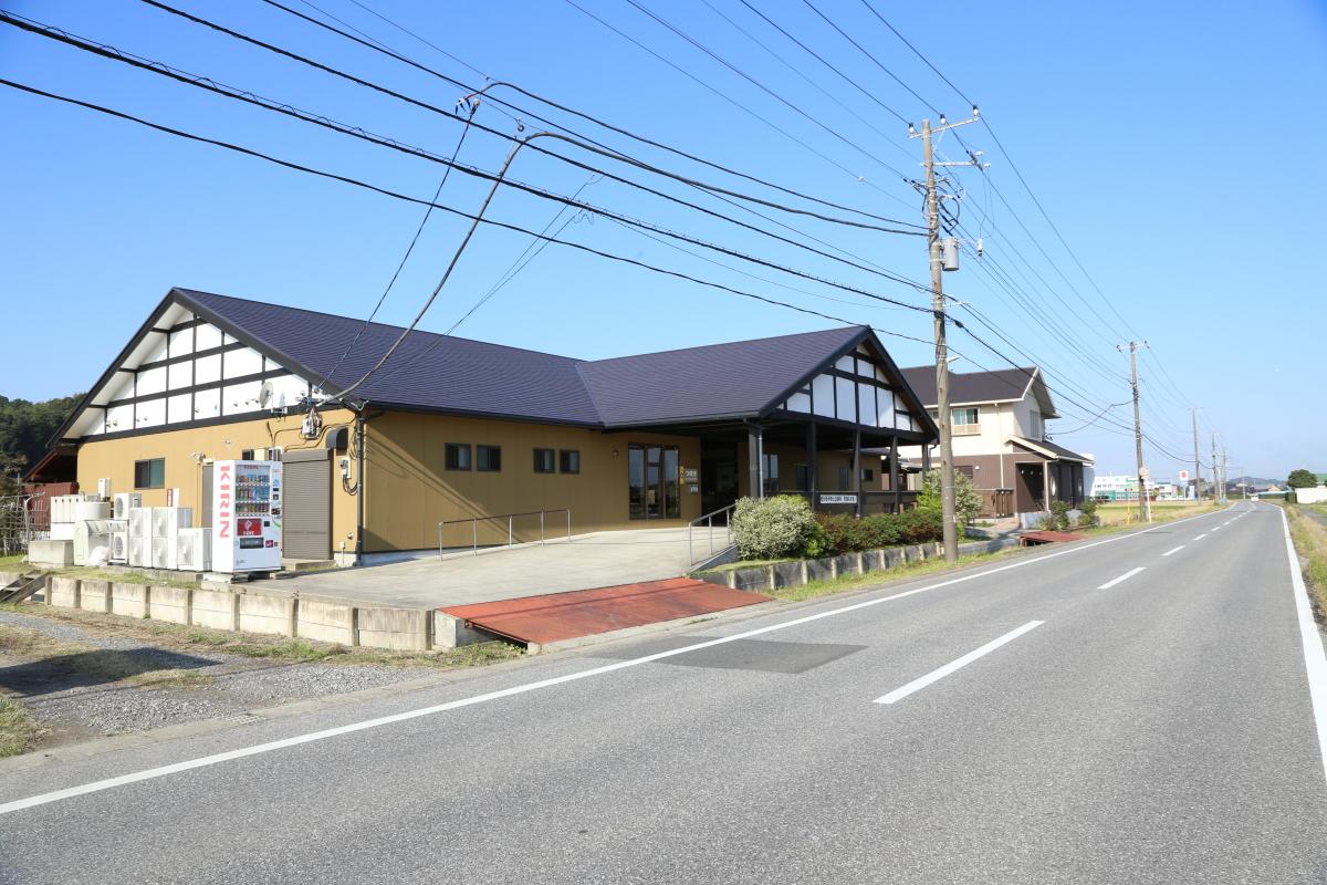 img_sadamoto_gaikan_03